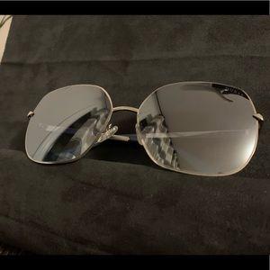 New Guess Sunglasses